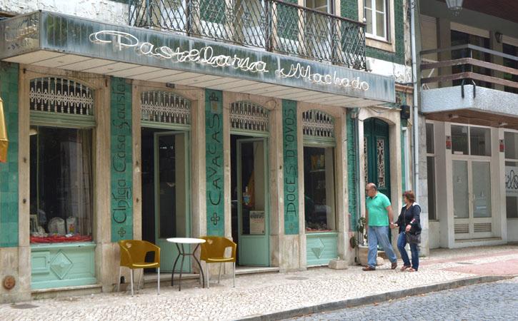 Espaços Comerciais Emblemáticos - fachada da Pastelaria Machado