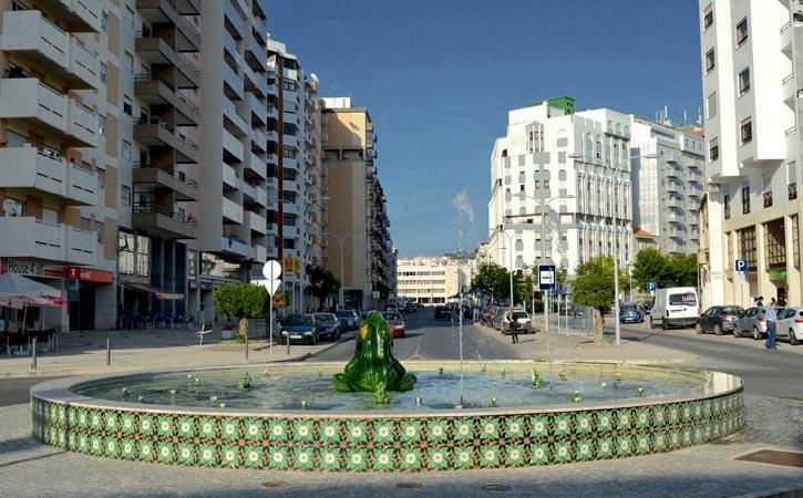 Ruas e Avenidas nas Caldas da Rainha, Av. 1º de Maio, Gocaldas, o teu Guia Turístico Local