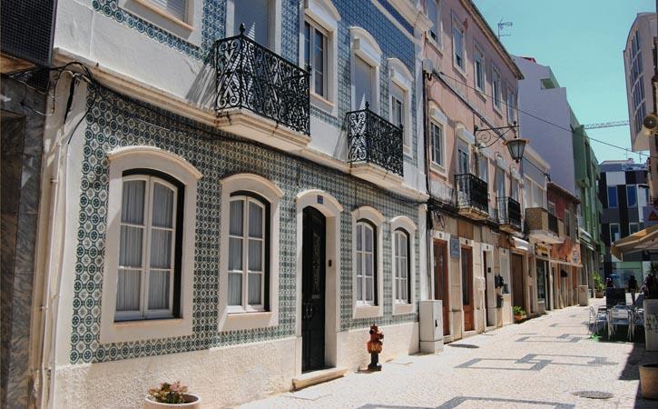 Ruas e Avenidas nas Caldas da Rainha, Rua do Jardim, Gocaldas, o teu Guia Turístico Local