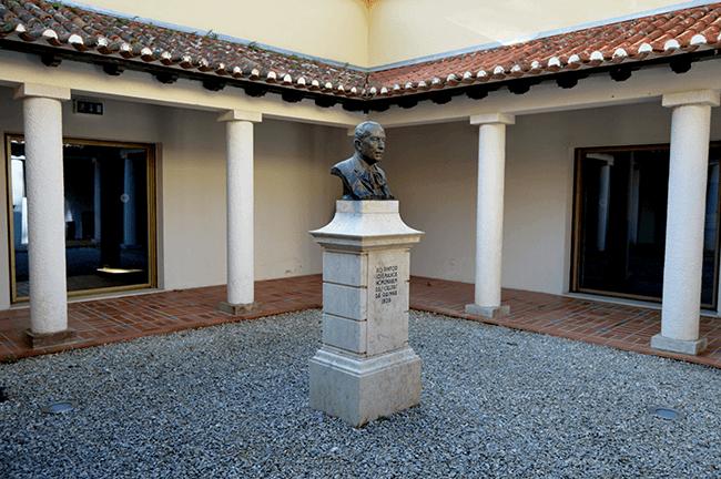 José Malhoa Museum interior space