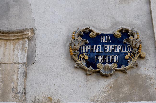 Rafael Bordalo Pinheiro das Maravilhas Caldas da Rainha placa