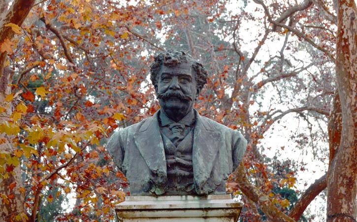 Rota Bordaliana, busto de Bordalo Pinheiro, Parque D. Carlos I, Caldas da Rainha