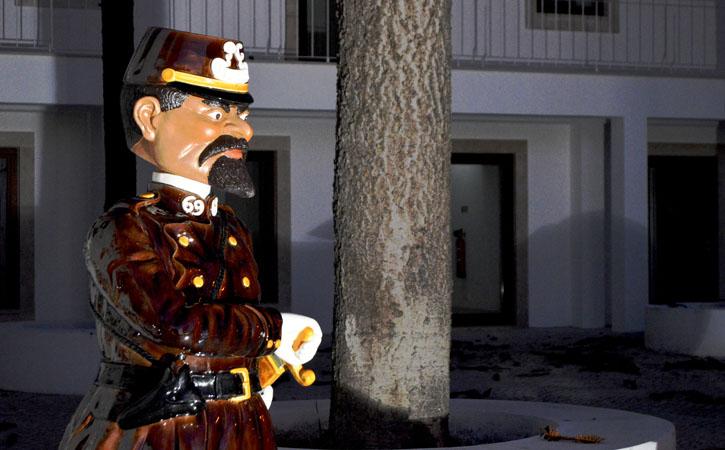 Rota Bordaliana, o Polícia, Caldas da Rainha