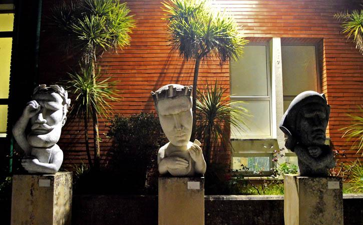 Espaço Concas, bustos exteriores, Gocaldas, o teu Guia Turístico Local