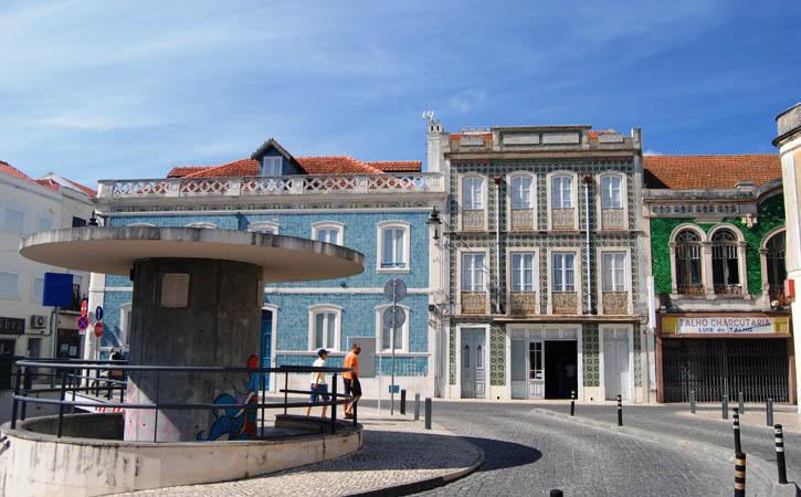 Praça 5 de Outubro, Caldas da Rainha, Gocaldas, o teu Guia Turístico Local