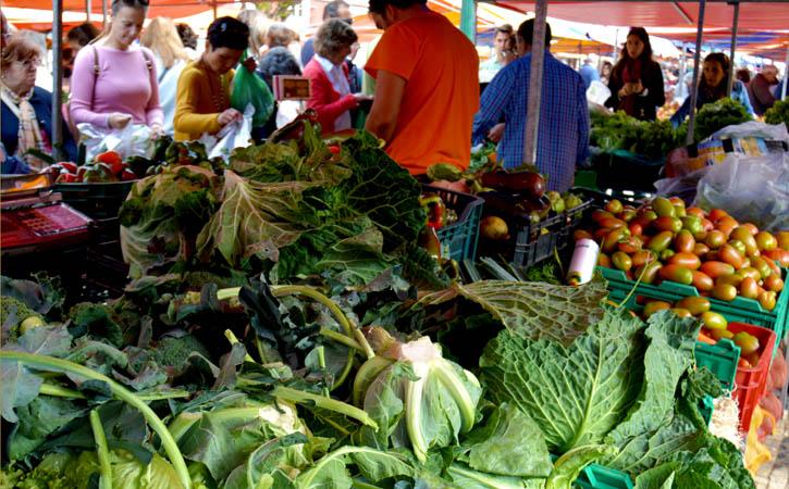 10 sítios que tens de conhecer em Caldas da Rainha Praça da Fruta, frutas e vegetais, Gocaldas,o teu Guia turístico Local