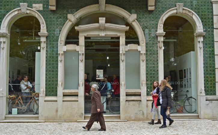 Clycling museum at Caldas da Rainha with greeen tiles