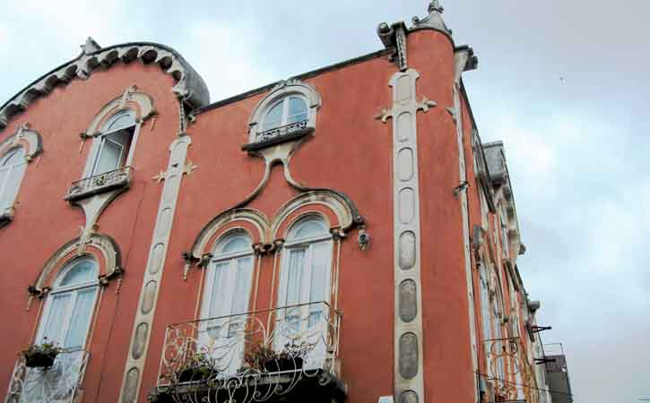 Rota da Arquitetura Caldense, Rua Heróis da Grande Guerra, Caldas da Rainha
