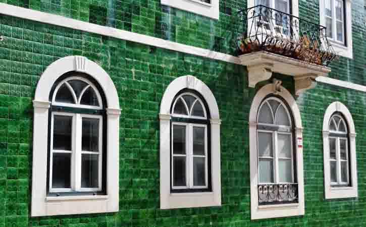Rota da Arquitetura Caldense, fachada em azulejo, Caldas da Rainha