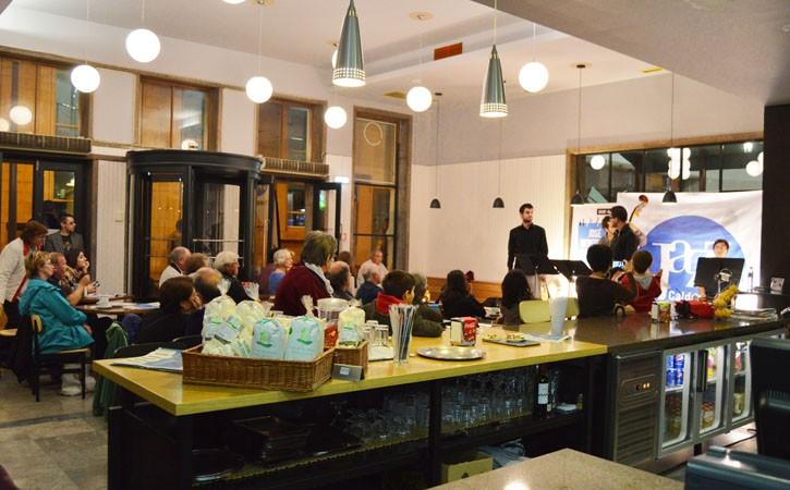 Restaurante Capristanos em Caldas da Rainha, ambiente interior, Gocaldas, o Teu Guia Turístico Local