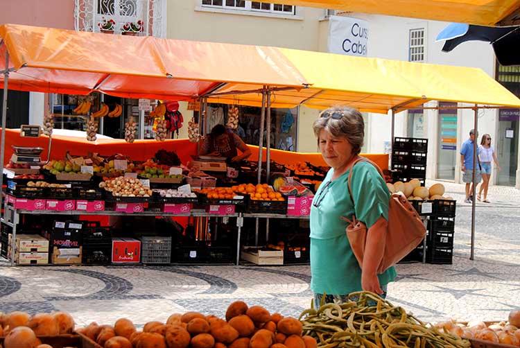 seasonal fruit and vegetables at Praça da Fruta