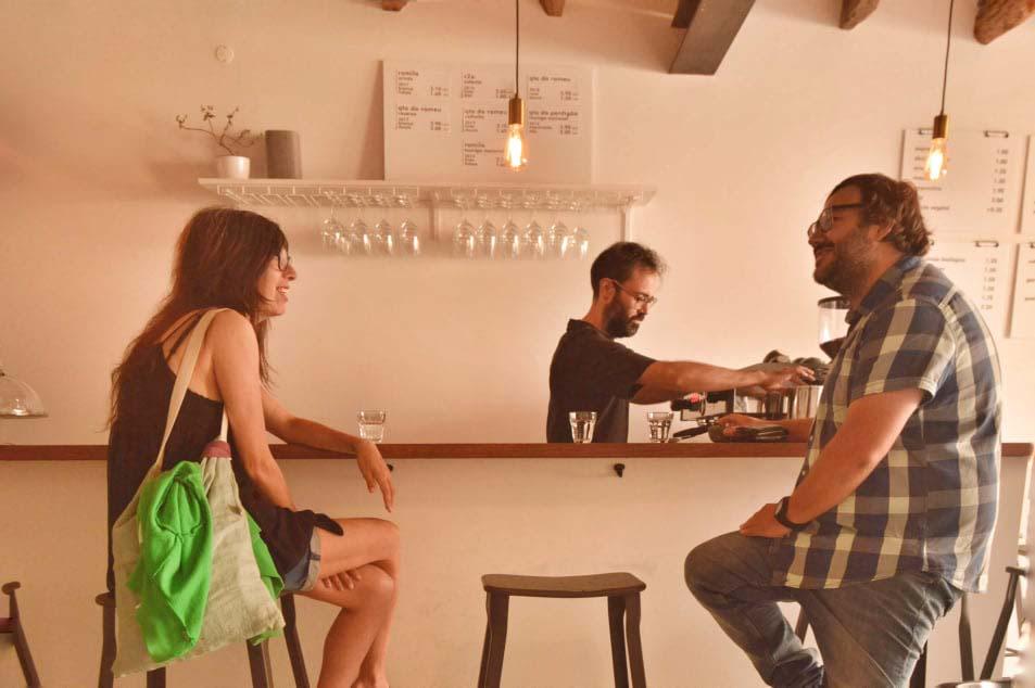 Zélia Évora em Caldas da Rainha com a GoCaldas no Café Local em Caldas da Rainha