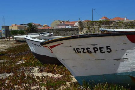 27/5000 Peniche and its Traditions