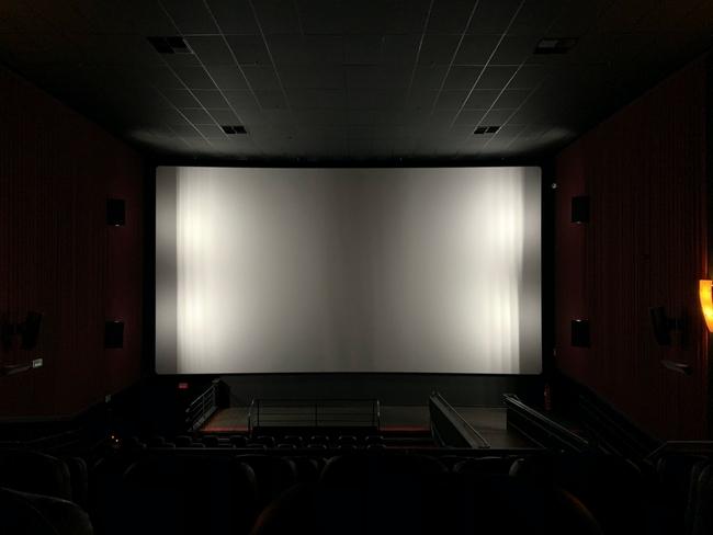 Da Eternidade, cinema no CCC em Caldas da Rainha, GoCaldas o teu Guia Turístico Local, Photo by Augusto Oazi on Unsplash