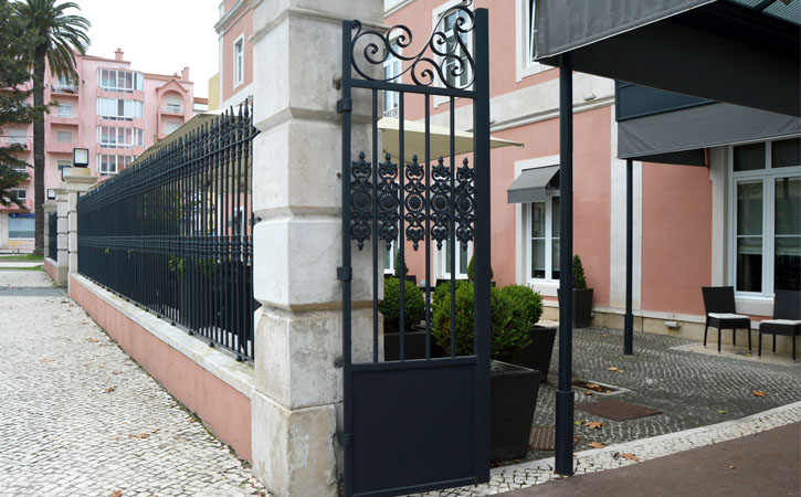 Lisbonense Hotel, Where to Stay Gocaldas, your Local touristic Guide